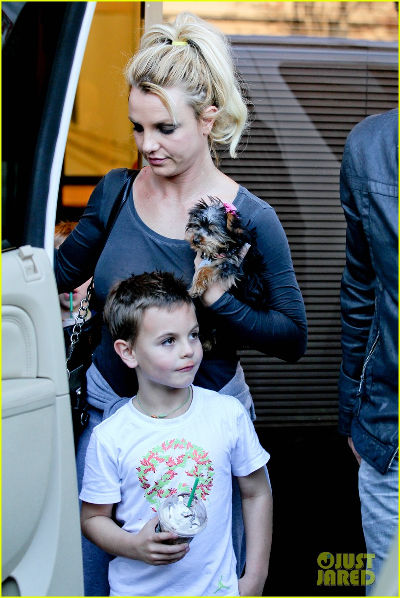 britney spears jason trawick music academy with the boys 02