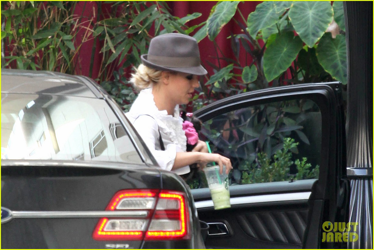 britney spears west hollywood lunch 03