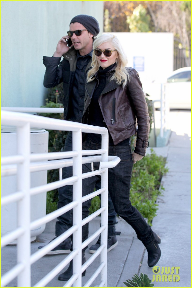 gwen stefani gavin rossdale starbucks sweethearts 02
