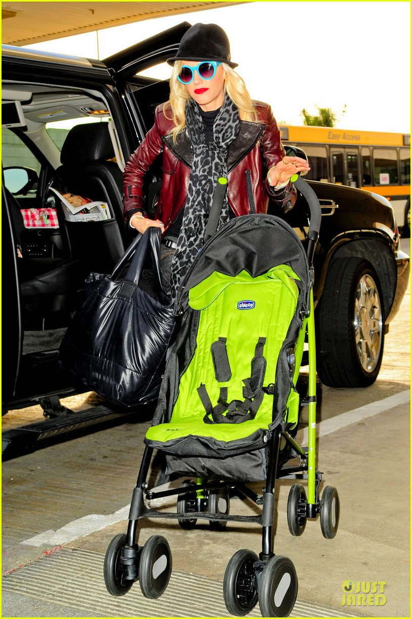 gwen stefani & gavin rossdale holiday travel with the kids 07