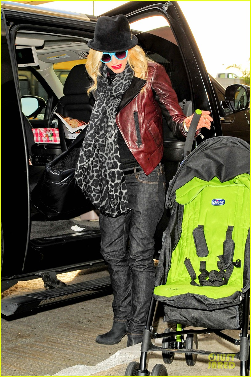 gwen stefani & gavin rossdale holiday travel with the kids 132779592