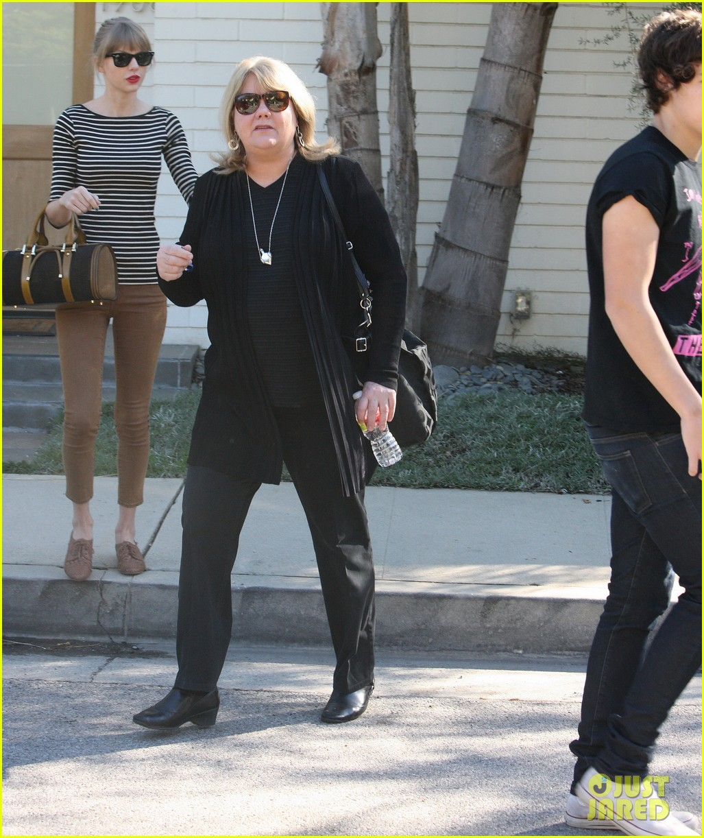taylor swift harry styles leave her home in la 072778333