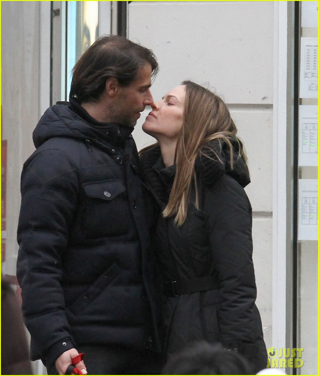 hilary swank laurent fleury kiss kiss in paris 012781541