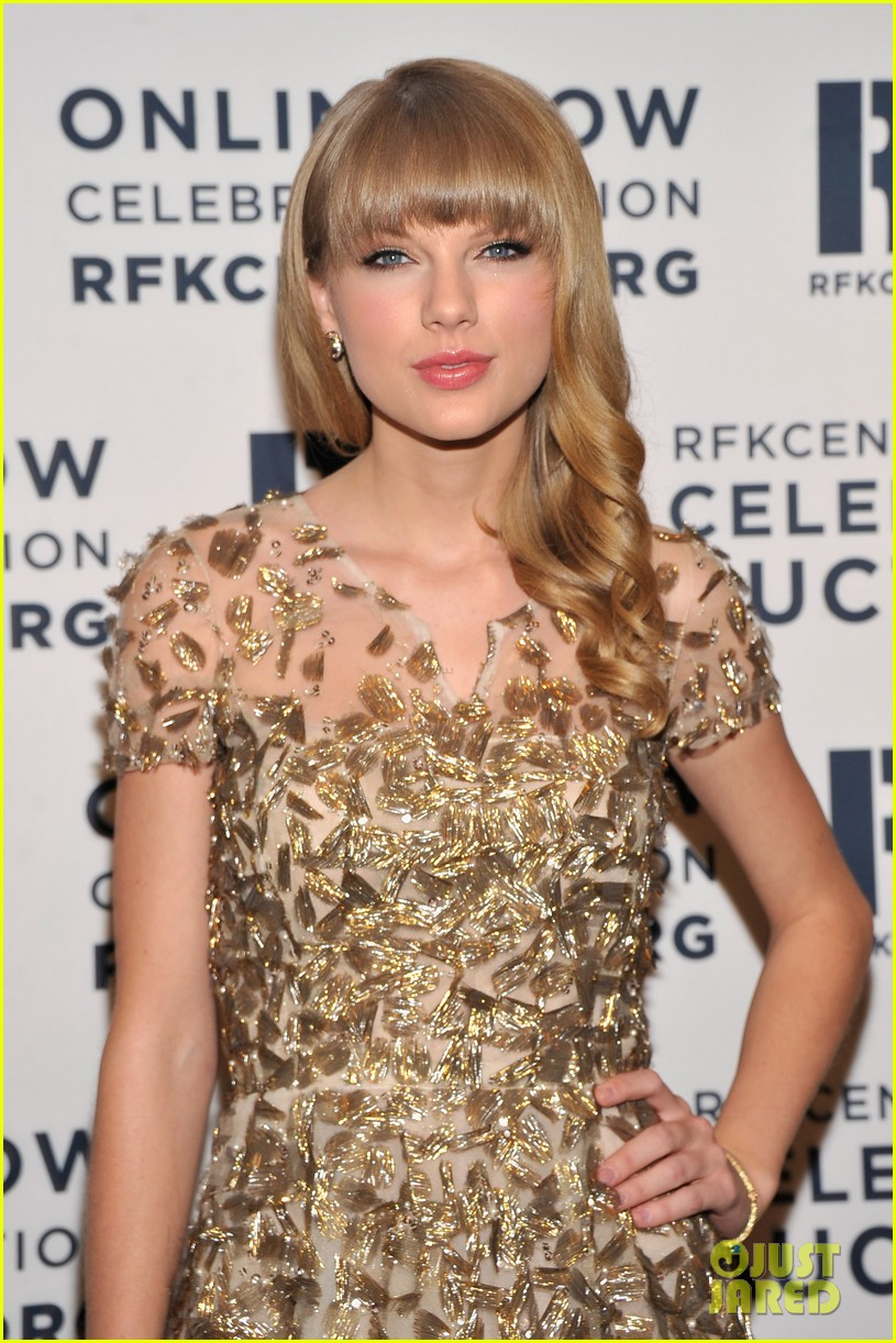 taylor swift dianna agron ripple of hope gala 2012 11