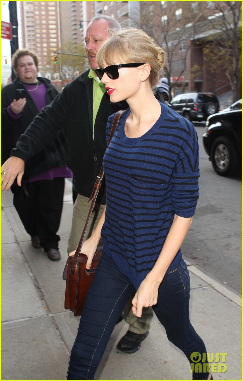 taylor swift striped starlet after harry styles date 102768599