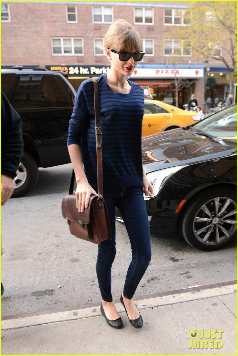 taylor swift striped starlet after harry styles date 152768604