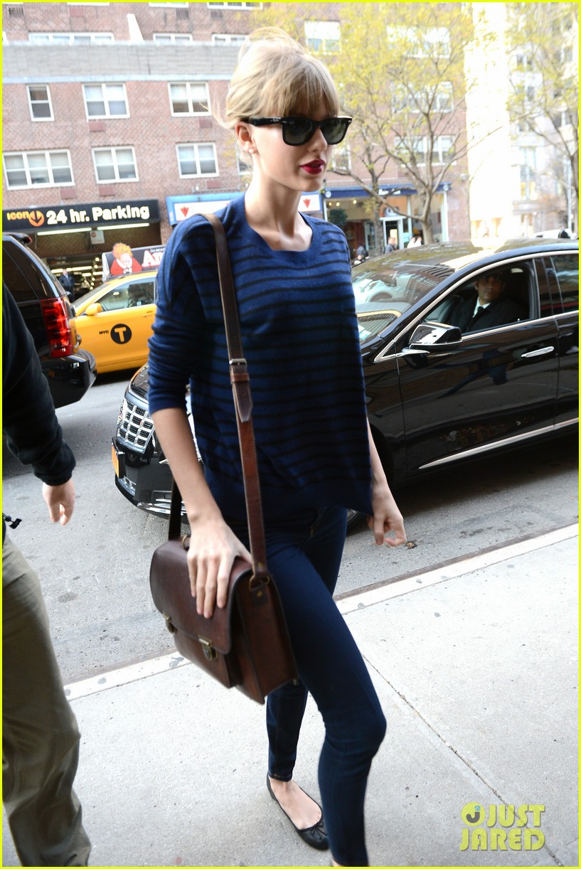 taylor swift striped starlet after harry styles date 192768608