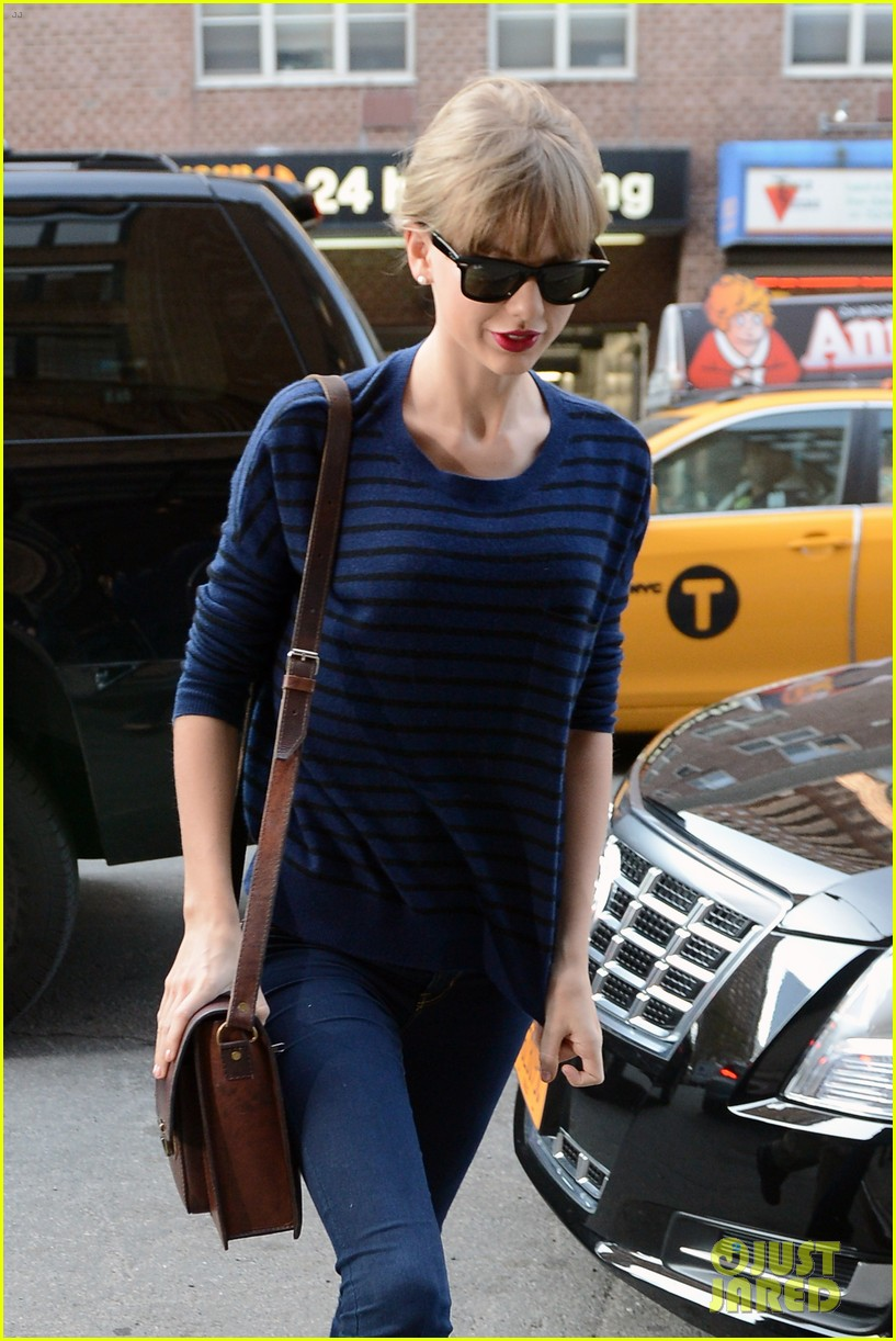 taylor swift striped starlet after harry styles date 222768611
