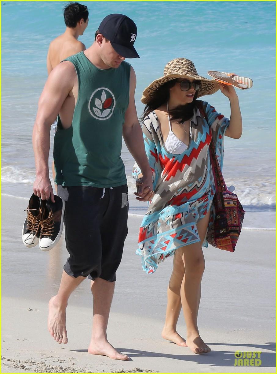channing tatum& jenna dewan st barts beach stroll 05