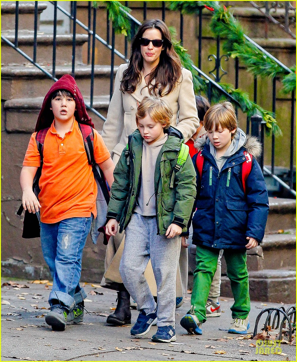 liv tyler milos birthday walk 152776545
