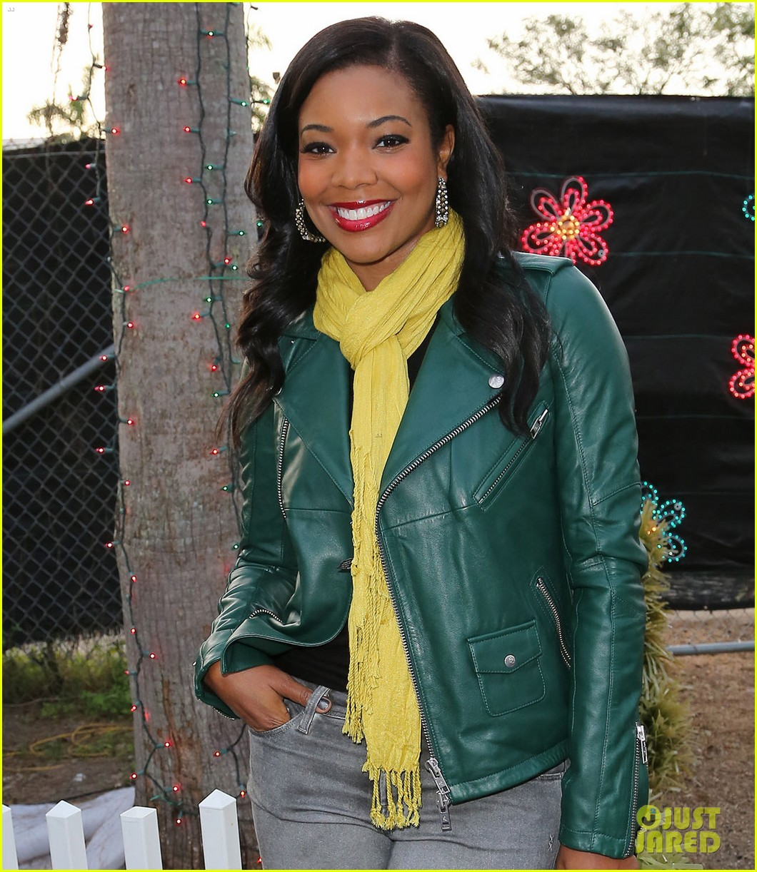gabrielle union dwyane wade santas enchanted lovers 042780448