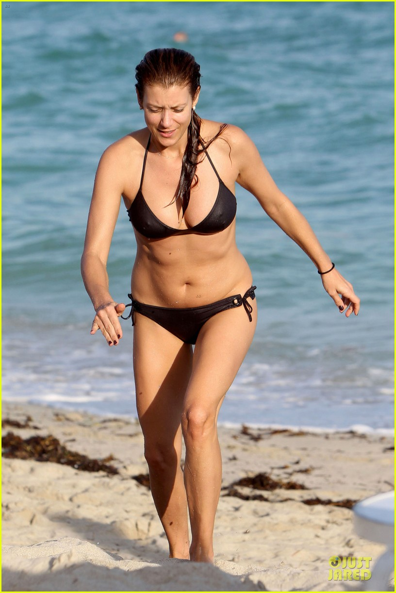kate walsh bikini babe in miami 012774083