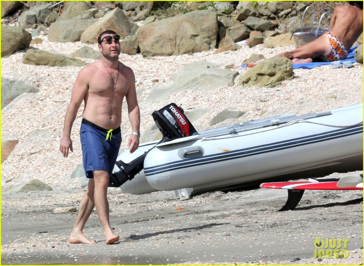 naomi watts shirtless liev schreiber new years eve beach day 282782947