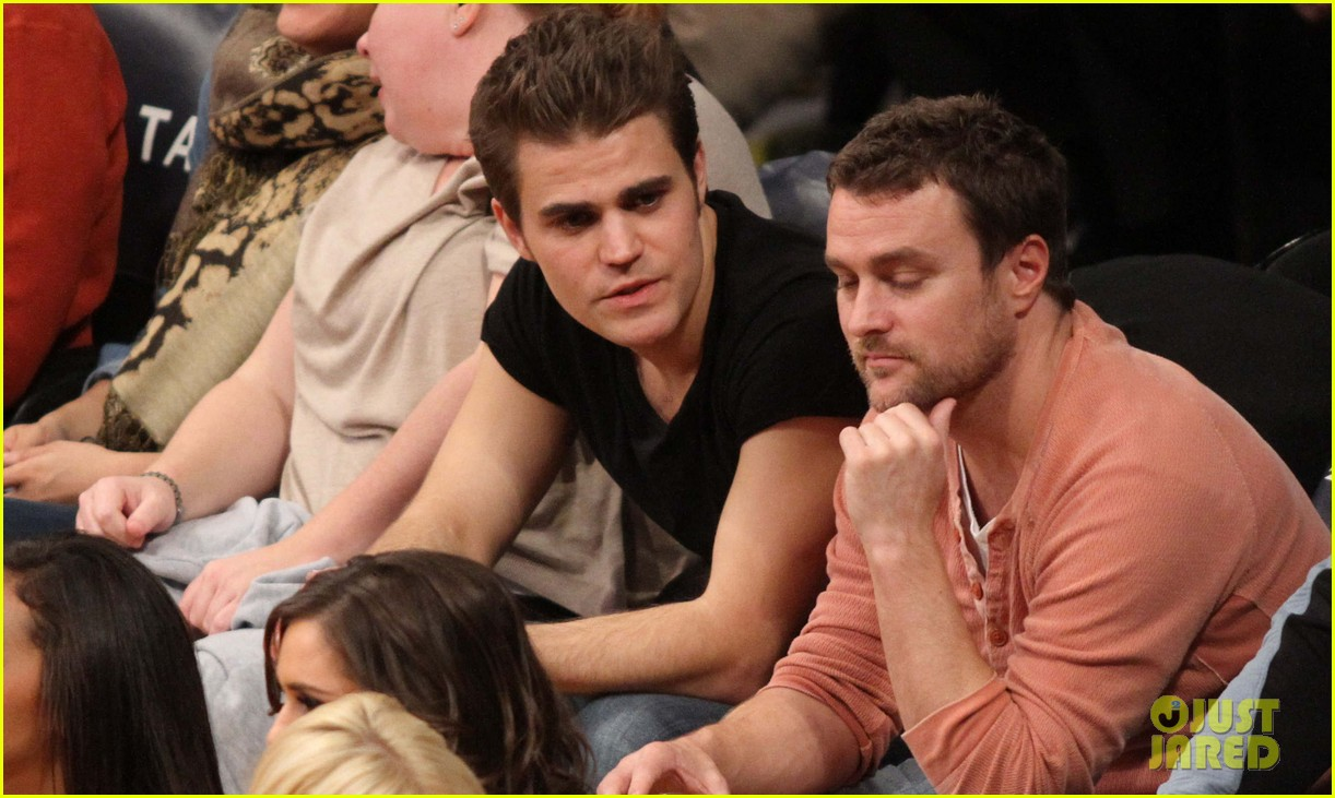 paul wesley lakers game guy 03