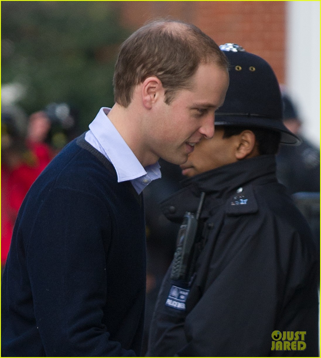 prince william visits hospitalized  pregnant kate middleton 04