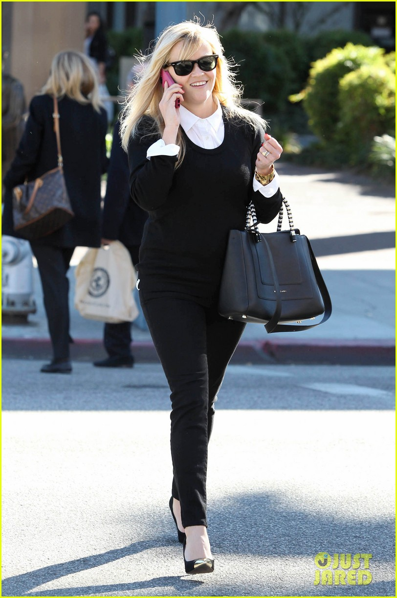reese witherspoon le pain quotidien lunch 04