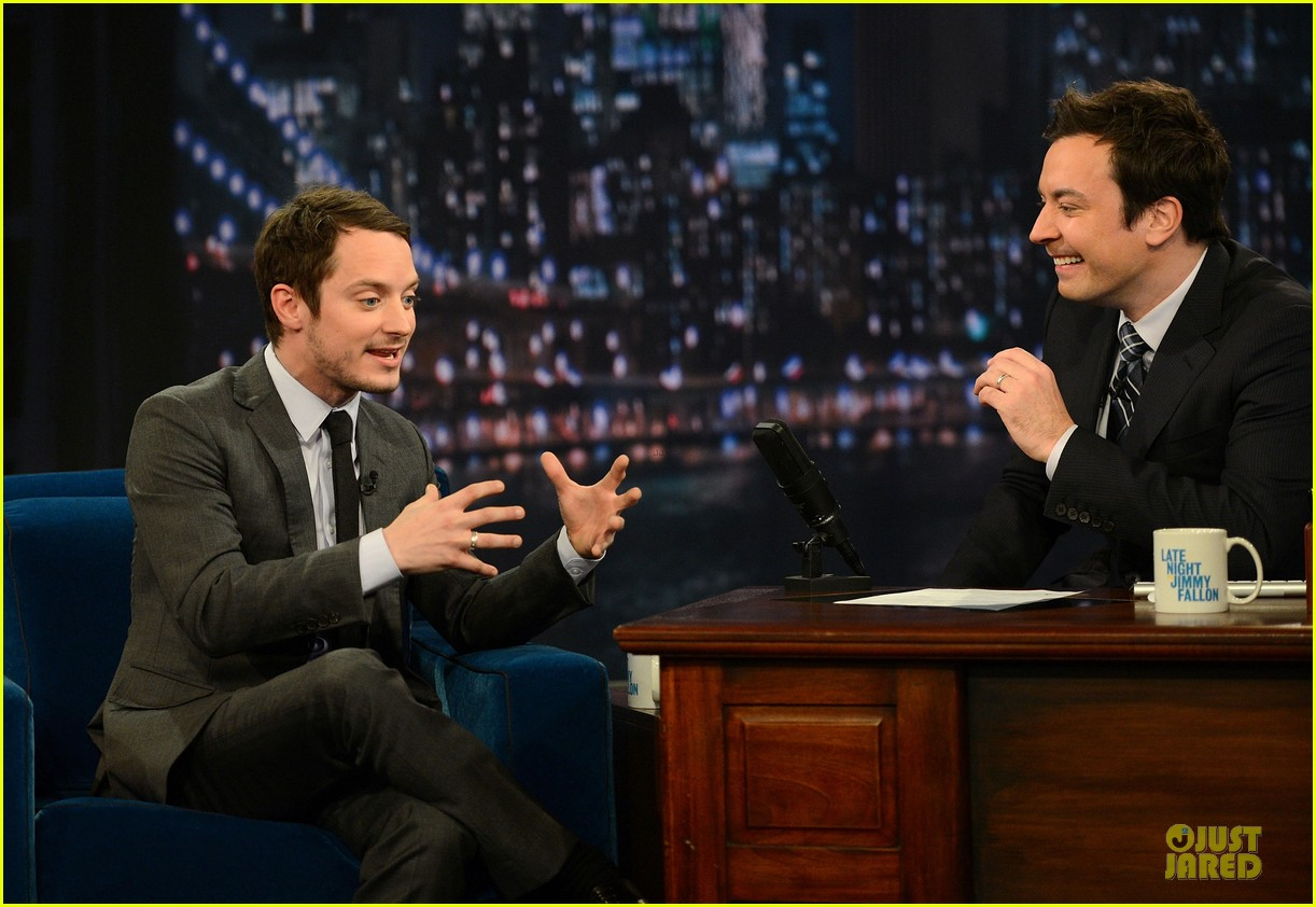 elijah wood late night with jimmy fallon appearance 05