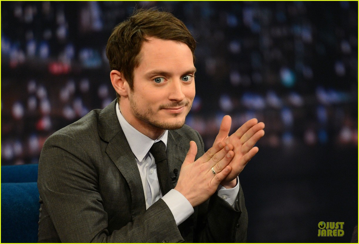 elijah wood late night with jimmy fallon appearance 07