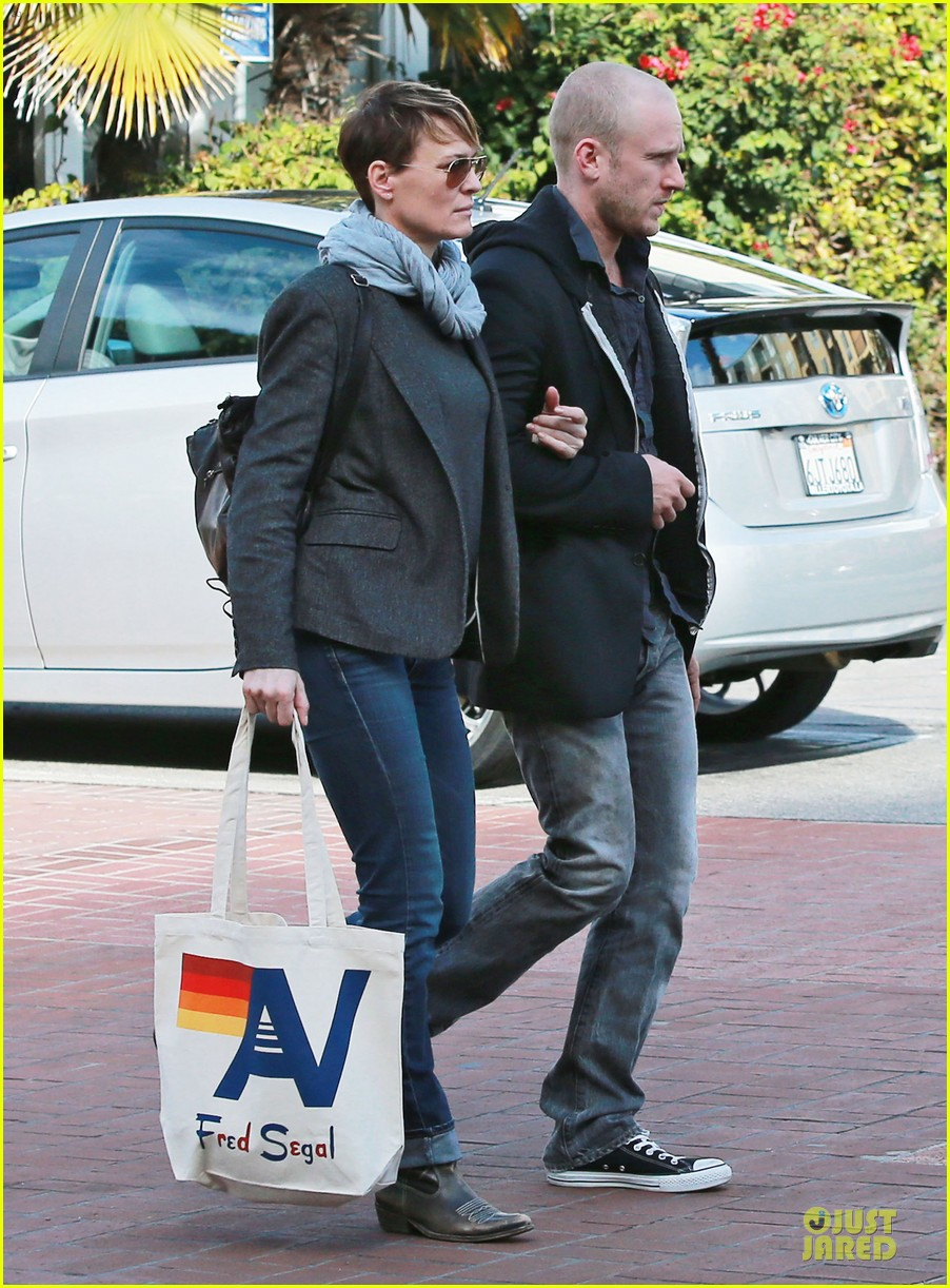 robin wright & ben foster holiday shopping at fred segal 03