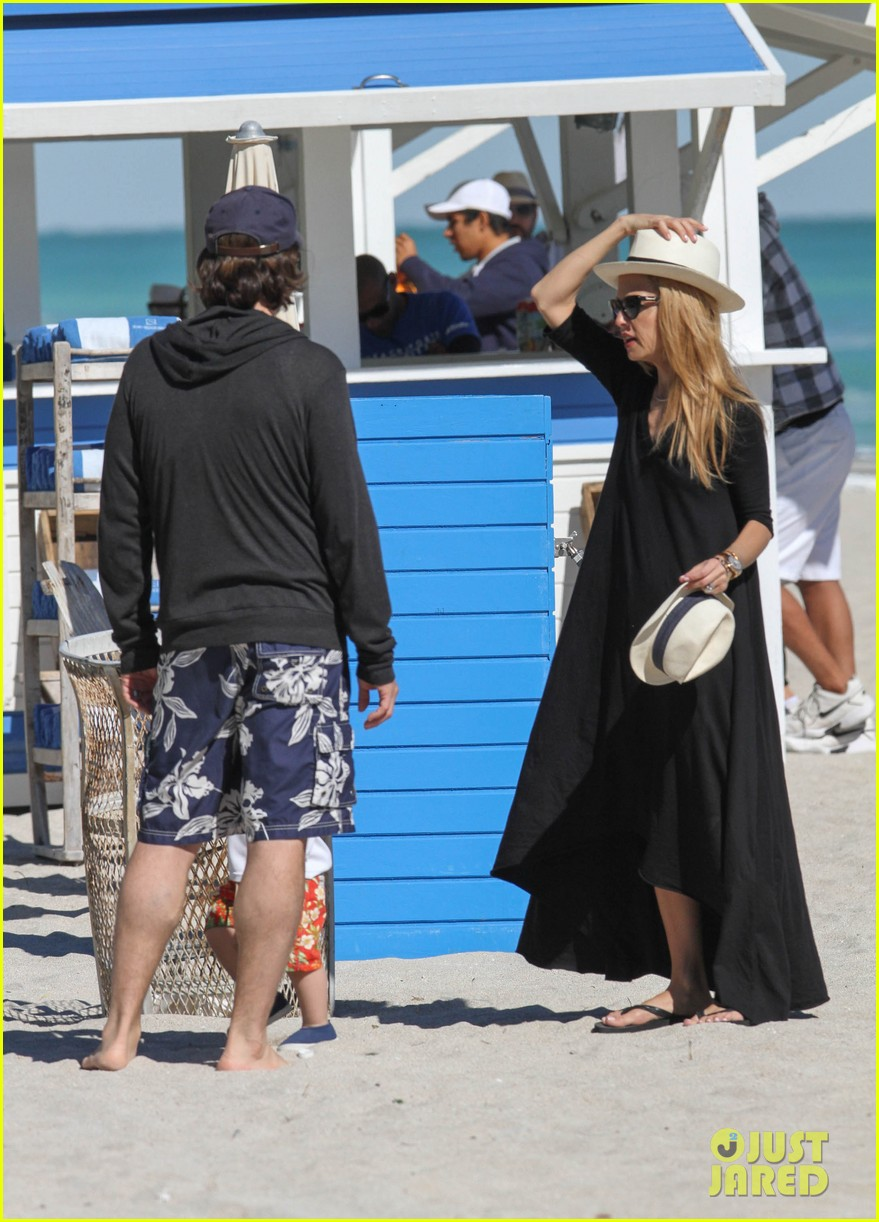 rachel zoe holiday beach vacation with the family 15