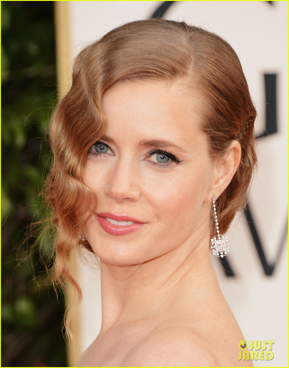 amy adams golden globes 2013 red carpet 02