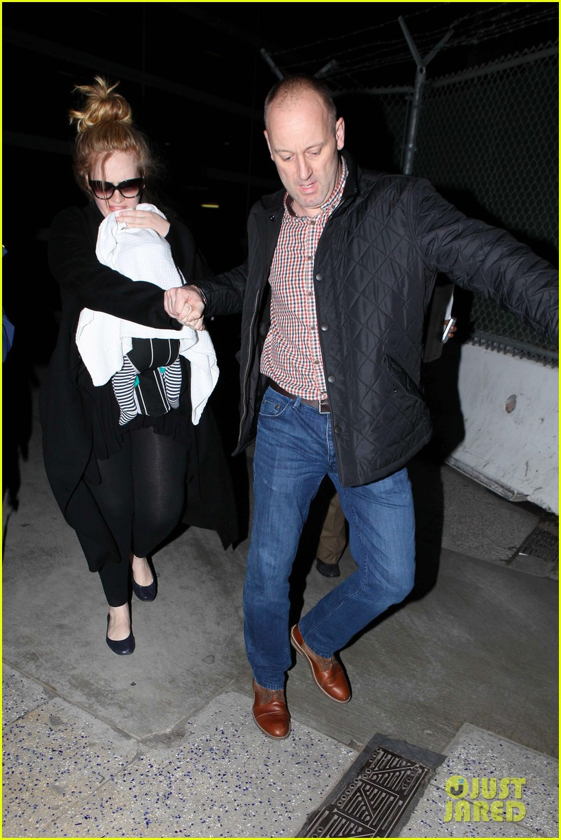 adele baby land in los angeles for golden globes 20