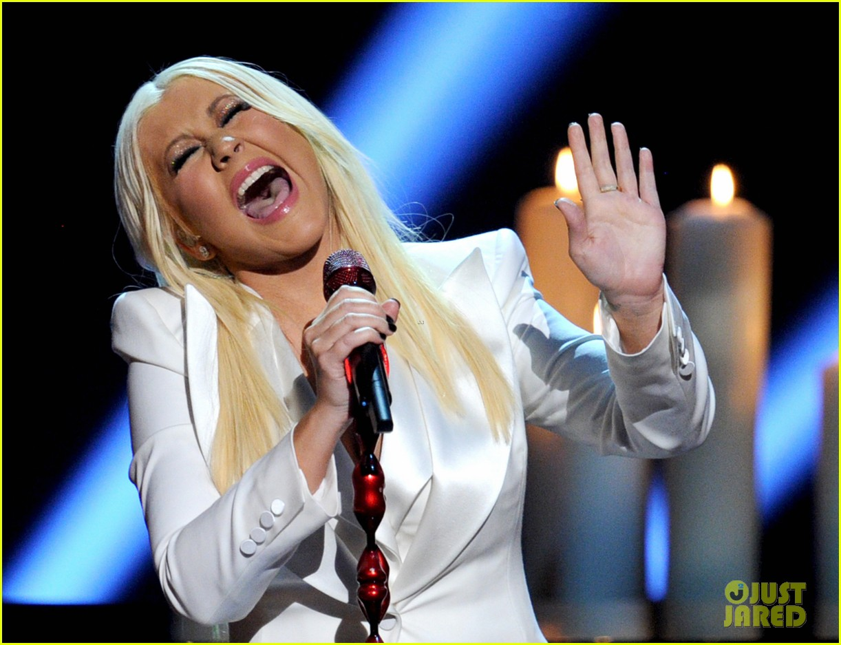 christina aguilera peoples choice 2013 082788045