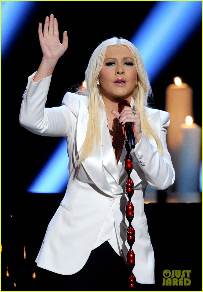 christina aguilera peoples choice 2013 15