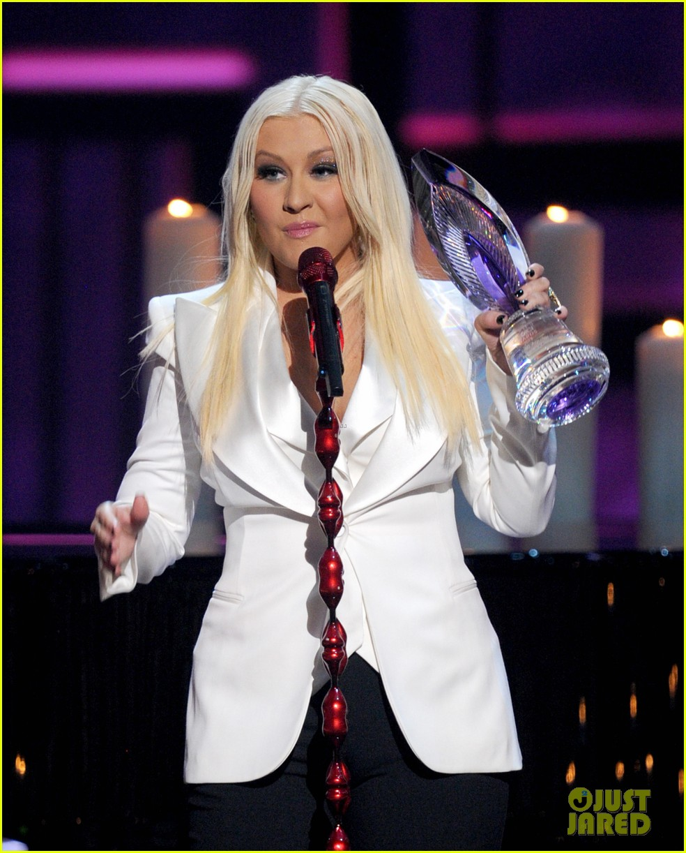 christina aguilera peoples choice 2013 16