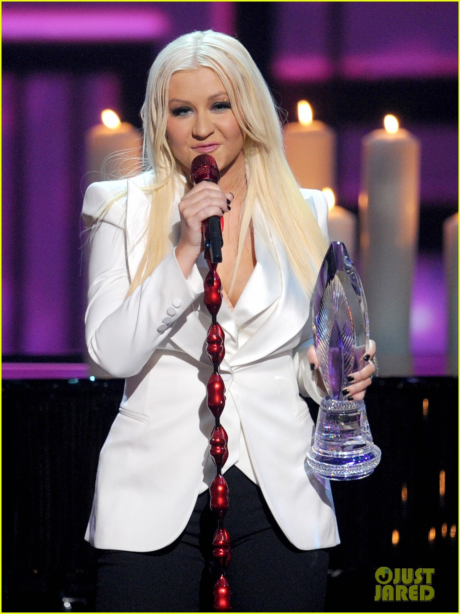 christina aguilera peoples choice 2013 22