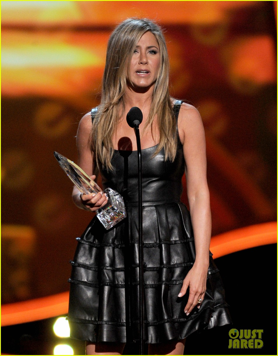 jennifer aniston peoples choice awards 2013 winner 03