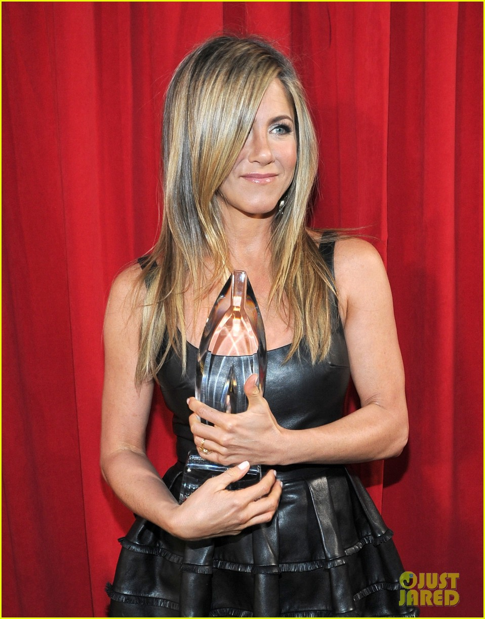 jennifer aniston peoples choice awards 2013 winner 13