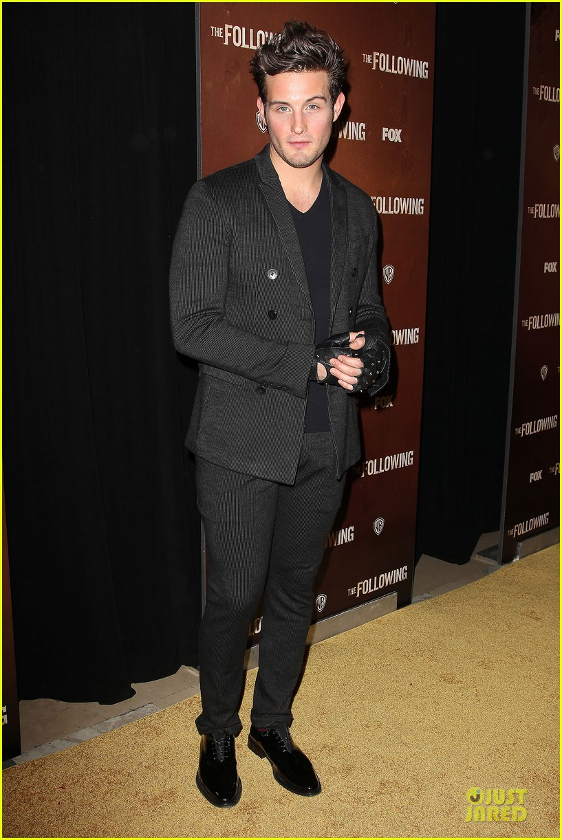 kevin bacon nico tortorella the following premiere 03