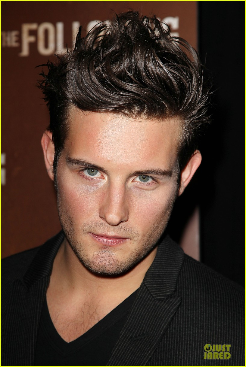 kevin bacon nico tortorella the following premiere 04