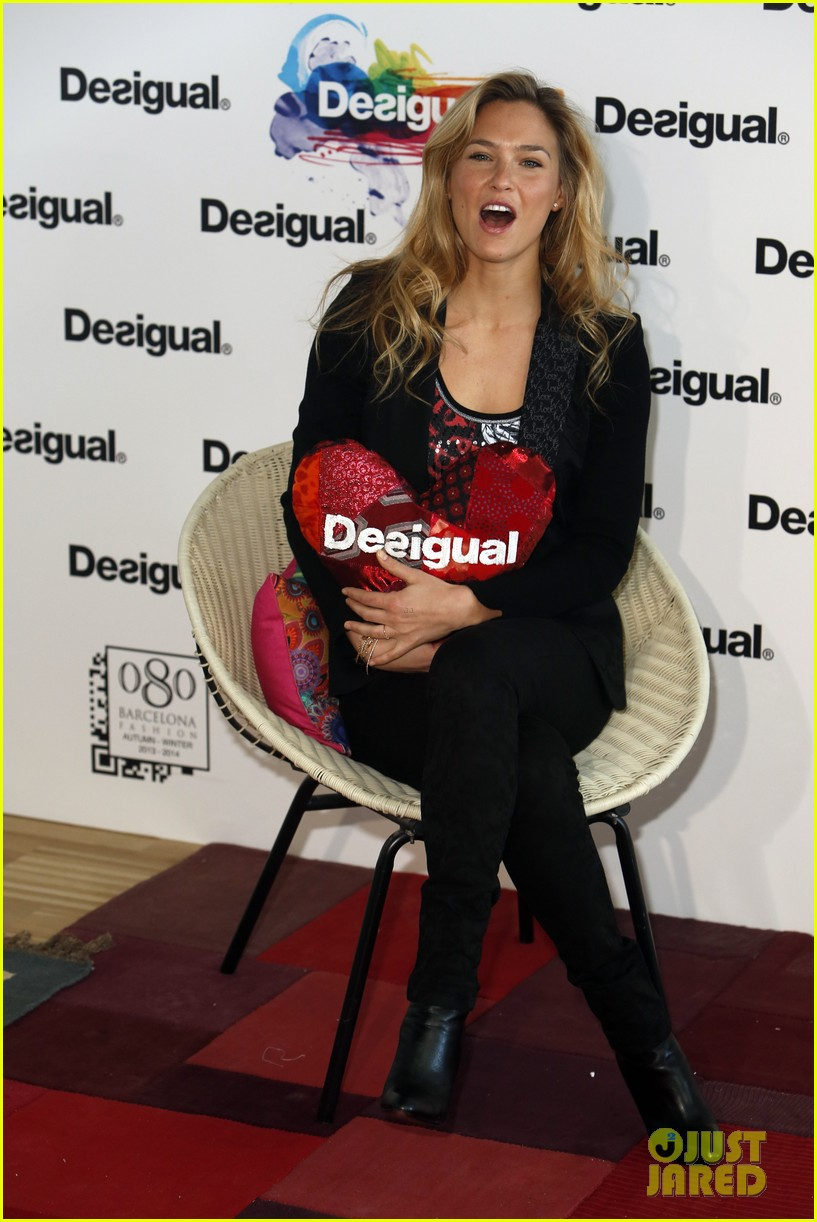 bar refaeli we love by desigual presentation 07