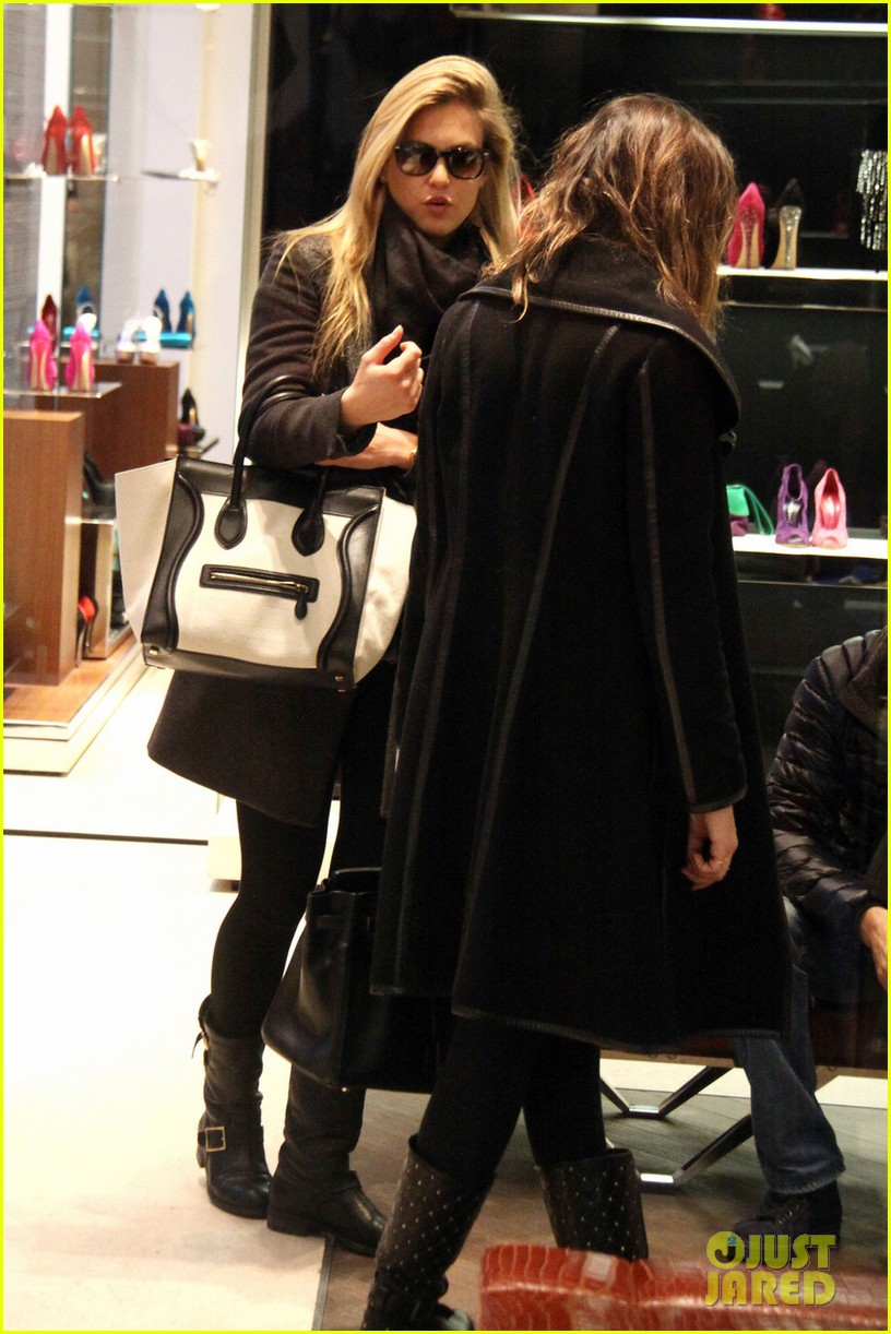 bar refaeli milan shopping spree 01