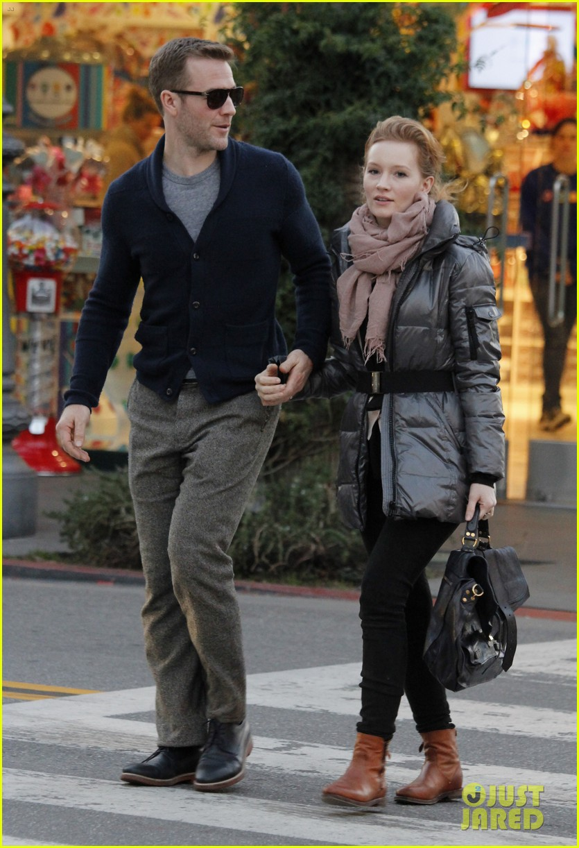 james van der beek kimberly brook the grove couple 02