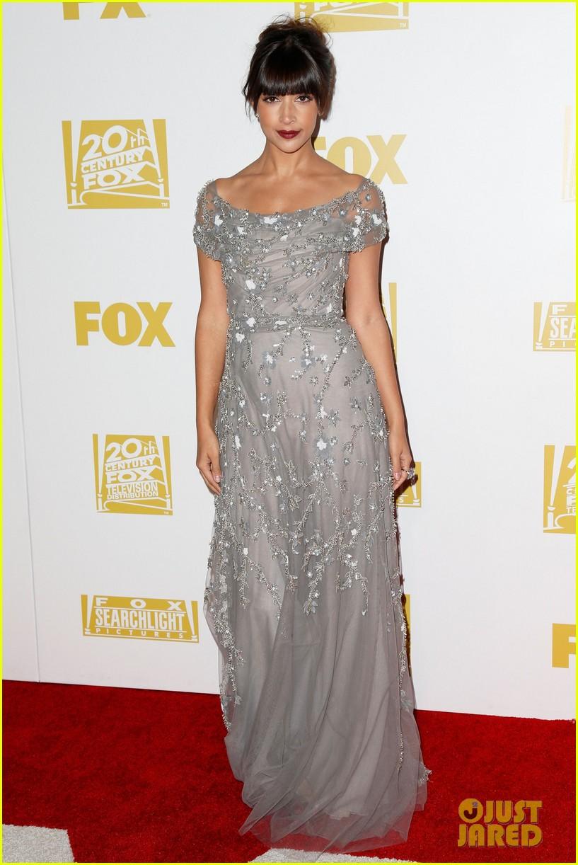 Emily deschanel melissa benoist golden globes 2013 photo 2792186 2013 golden globes - Silver red carpet dresses ...