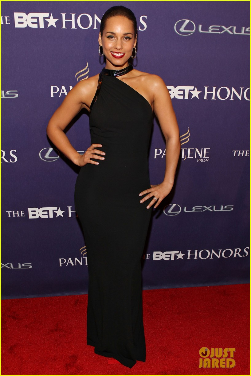 halle berry alicia keys bet honors 2013 red carpet 03