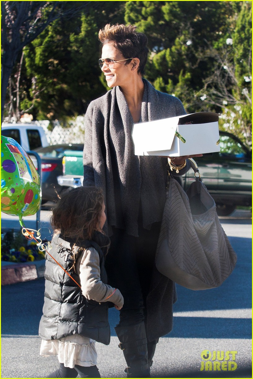 halle berry alicia keys bet honors 2013 red carpet 30