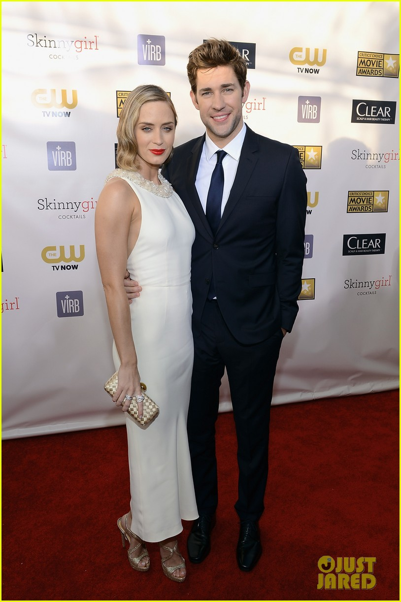emily blunt john krasinski critics choice awards 2013 03