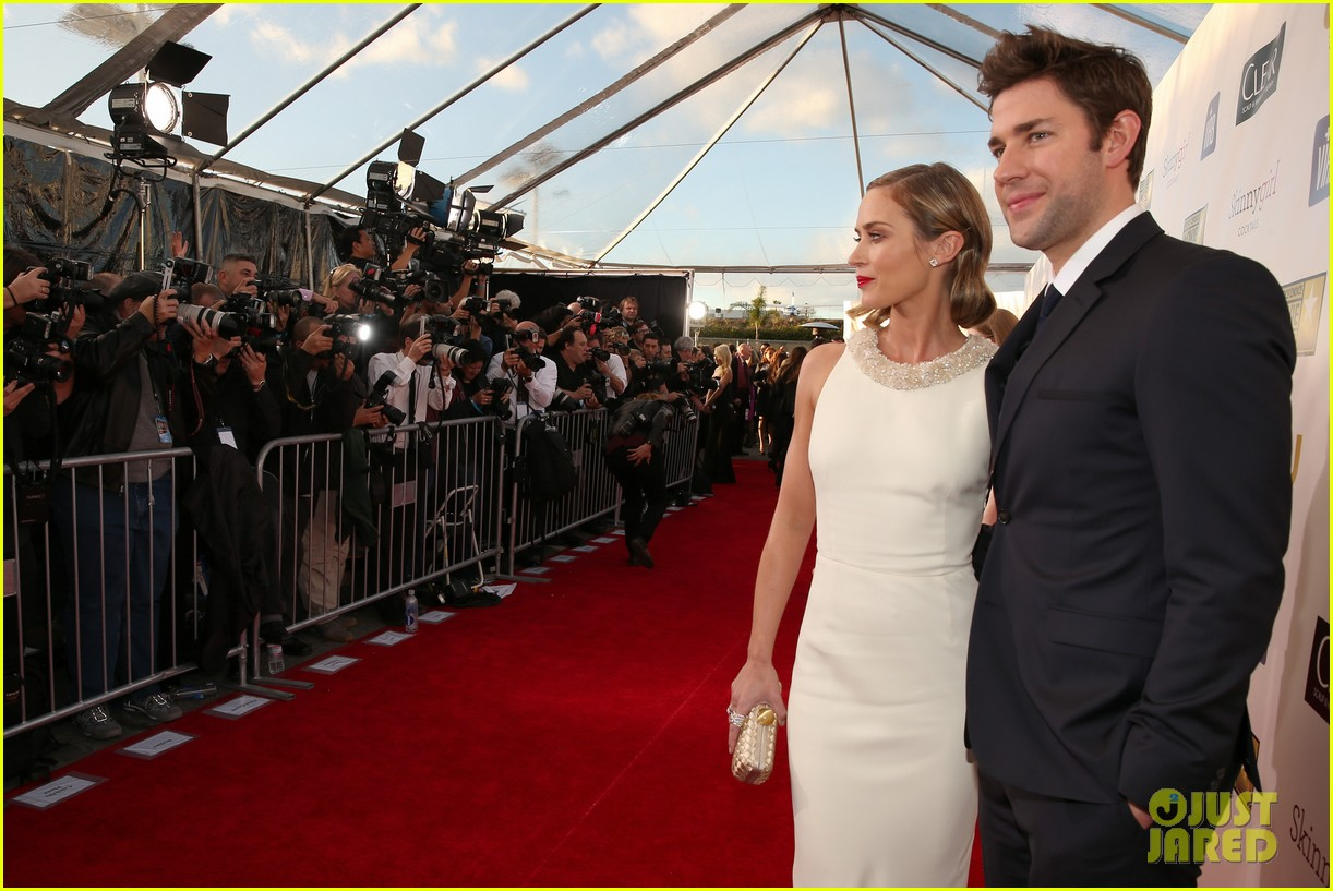 emily blunt john krasinski critics choice awards 2013 05
