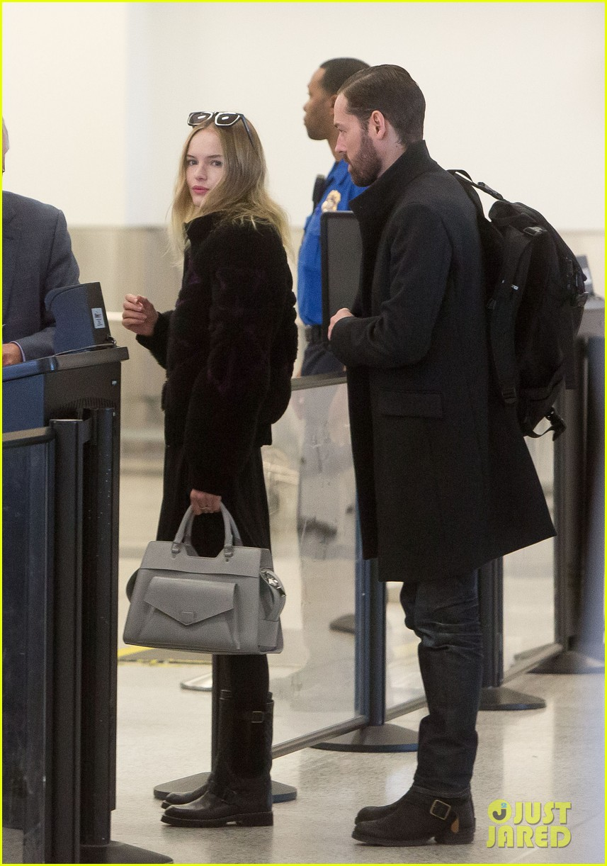 kate bosworth amanda seyfried take off for sundance 092796322