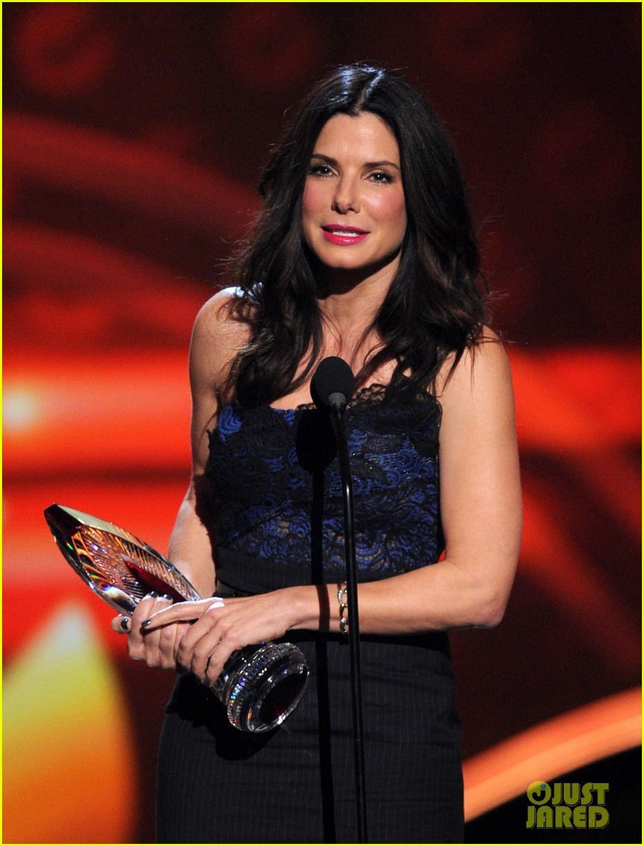 sandra bullock peoples choice 2013 20