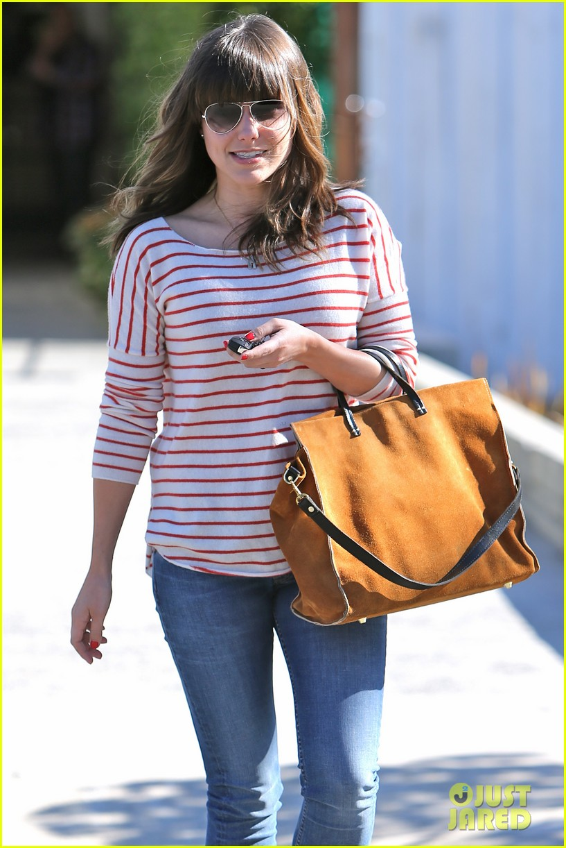 sophia bush not dating josh hutcherson 112794217