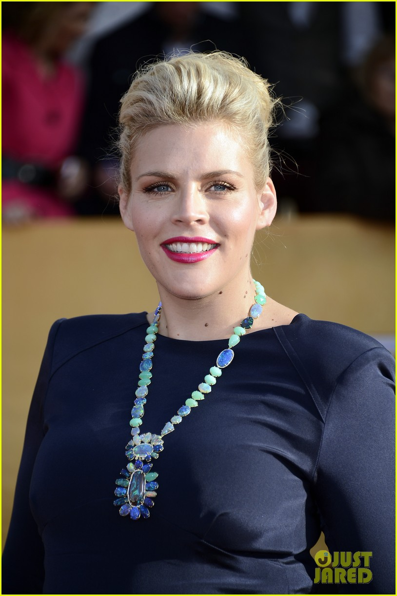 busy philipps sag awards 2013 red carpet04