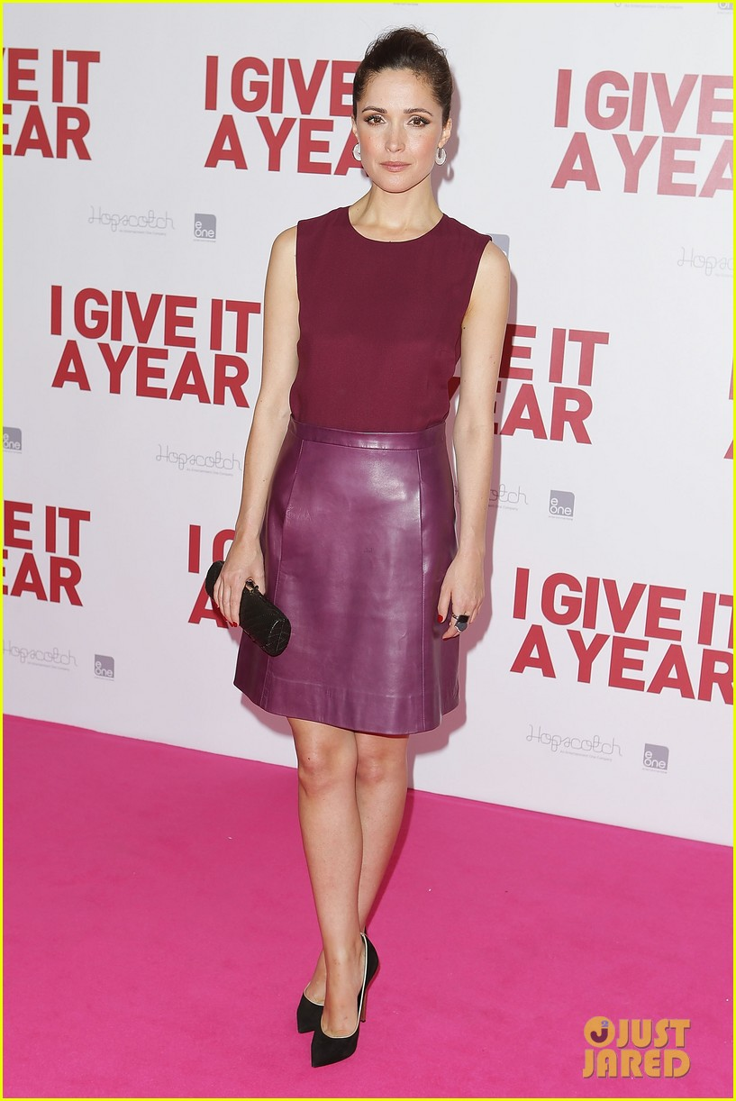 rose byrne i give it a year sydney premiere 01
