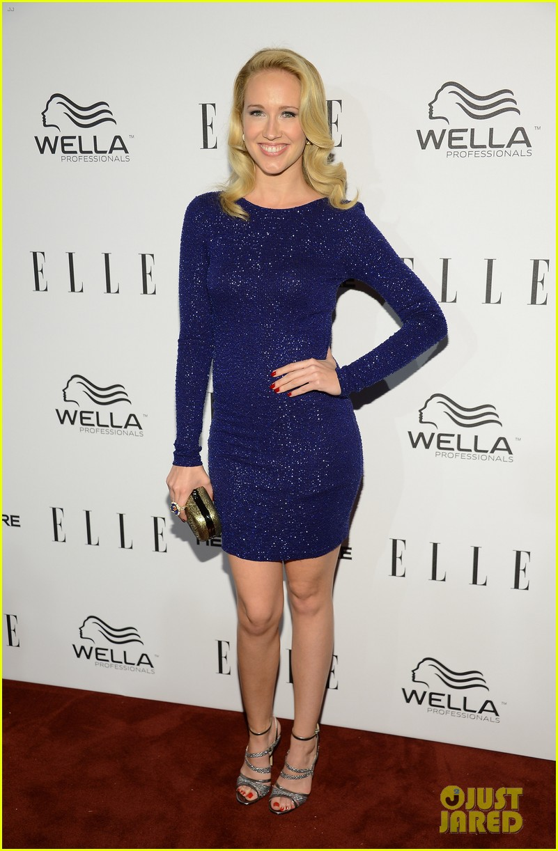 Anna Camp Amp Busy Philipps Elle S Women In Tv Party