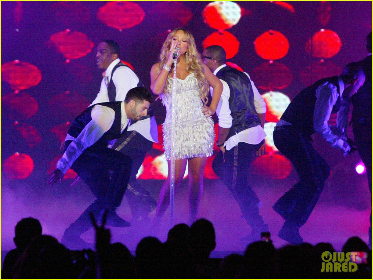 Mariah Carey Jupiters Gold Coast Show Photo 2783801 Mariah Carey Pictures Just Jared