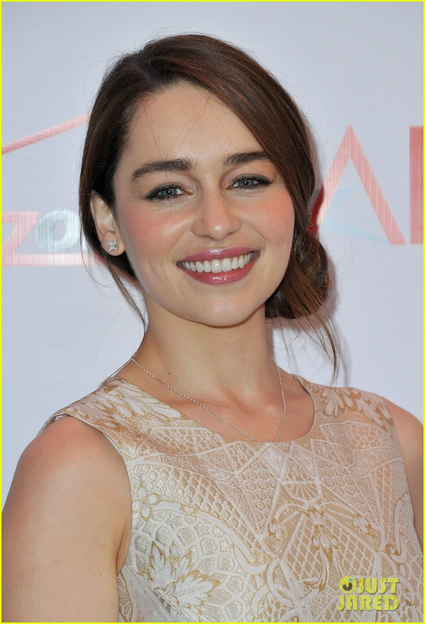 emilia clarke afi awards 2013 red carpet 042789223